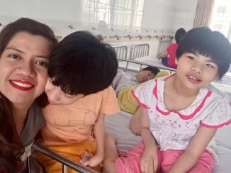 cute-little-ladies-4