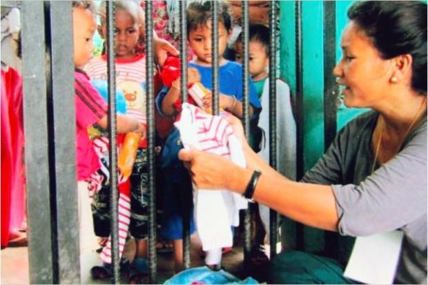 Indira visits jail